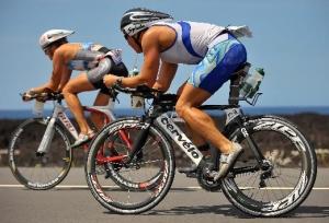 Участники триатлона Ironman