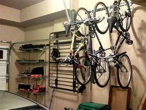 велосипед в гараже