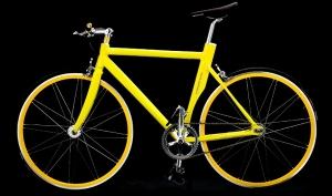Яркая модель велосипеда