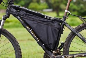 Велосипедная сумка под рамой