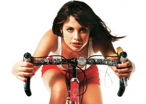 Занятие на велотренажере дома
